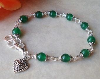 Heart Beaded Bracelet.Green Jade Gemstone.Small Bracelet.Bridal.Dainty.Valentine.Heart Charm.Anniversity.Graduation.Birthday.Gift.Handmade.
