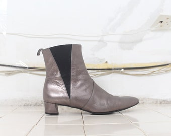 pewter metallic Robert Clergerie leather minimal ankle boots 39 40