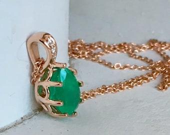 Gorgeous Emerald Diamond Rose Gold Pendant Necklace