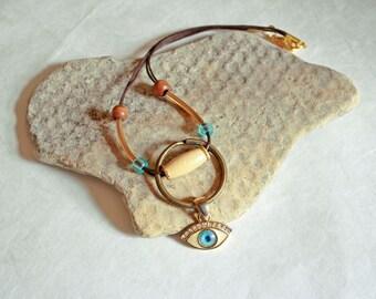 Turquoise eye pendant necklace