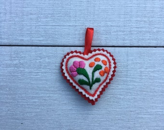 Embroidered Heart  (H7)
