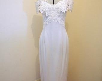 Jessica McClintock Vintage off-shoulder Wedding Dress Size 6-8