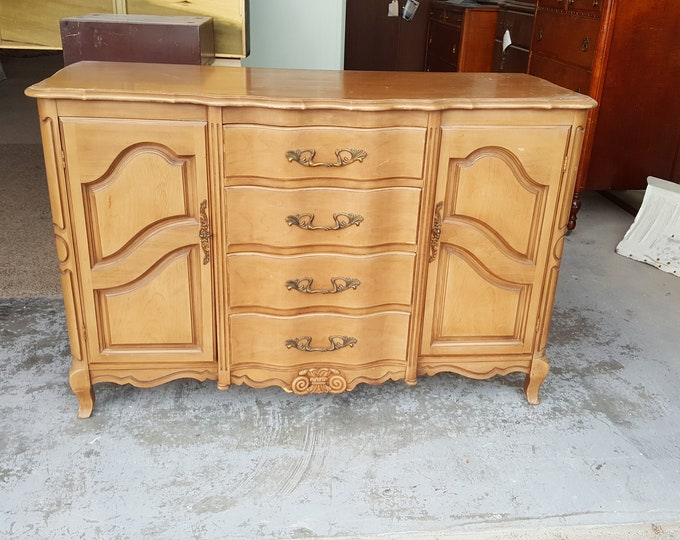 PICK UP ONLY Vintage french provincial Shabby Chic Buffet, Sideboard, Server, painting inc, living room dining room, tv console, bar,cabinet