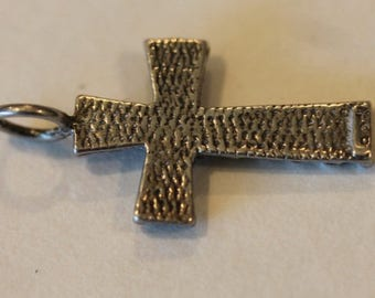 Vintage 2 sided sterling silver cross pendant