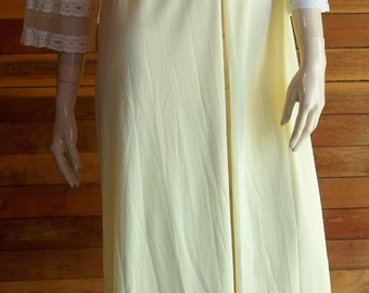 Vintage Lingerie 1960s SEARS Yellow Peignoir or Robe Large