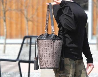 Leather bucket bag-Brown leather bag Brown bucket bag Brown tassel bag Brown handbag Bag with tassel Brown leather Crocodile leather bag