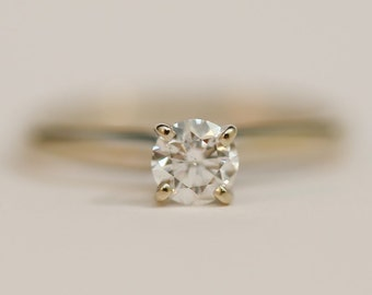 Vintage Round Brilliant Cut Near White Diamond Solitare 0.48Ct in 14K White Gold Engagement Ring Size 6.75