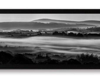 """Panoramique """"Matin brumeux sur le Menez-Hom"""", tirage d'art contrecollé sur Alu-Dibond et monté en caisse américaine"""