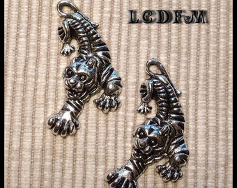 * ¤ Set of 2 pendants charms * Tiger * silver - 20x35mm ¤ * #PC5
