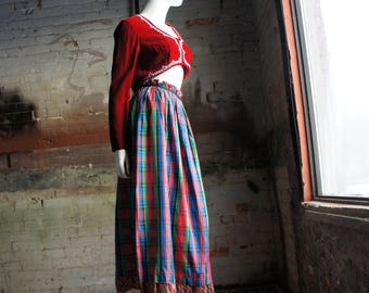 PLAID TAFFETA 1970's Pleated Plaid Taffeta Skirt, Christmas Party Skirt, by Miss Renfrew
