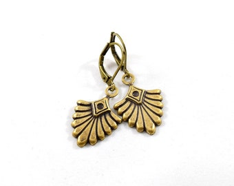 Simple Brass Fan Earrings, Brass Earrings, Everyday Earrings, Fan Earrings, Antique Brass Earrings, Metal Earrings, E041