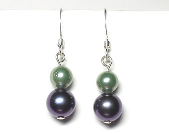 Pale green and navy blue shell pearl earrings, green earrings, blue earrings, navy earrings, silver plated earwires