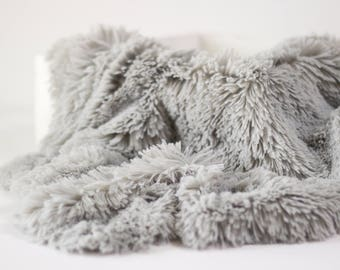 Light Gray Pelagio Faux Fur Nest Photography Prop Rug Newborn Baby Toddler 27x30