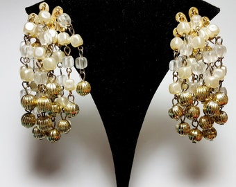 Chandelier earrings vintage etsy nz large cascade chandelier clip on earringsfaux pearlsvintage clip on earringsvintage 60swedding jewelryearrings for bride aloadofball Images