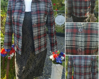 XXXVintage jacket-Size 4-Designer fashion-Office attire-Dress for success Acrylic-Buttons-Formal-Classy-Feminine-Womens vintage-Elegant-Suit