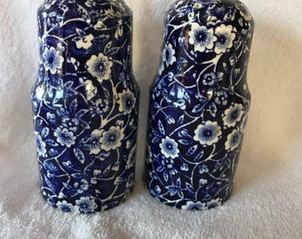 Royal Crownford Staffordshire England salt and pepper shakers