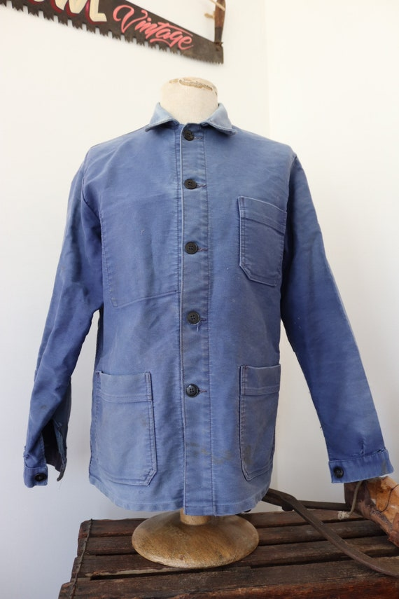 """Vintage 1960s 60s french bleu de travail blue moleskin chore work jacket workwear 41"""" chest sun faded darned repaired (9)"""