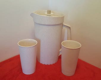 vintage tupperware pitcher and 2 tumblers / tupperware speckled fireworks / tupperware 2 quart pitcher / tupperware #800 and #873