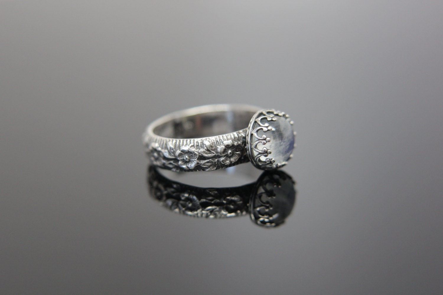 Daisy Chain Ring Sterling Silver Feminine floral patterned