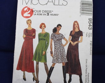Sewing Pattern for a Woman's Dress in Size 18 - McCall's 9543
