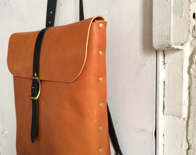Pacific rucksack tote in honey and slate