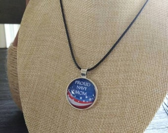 Proud Navy Mom pendant and necklace