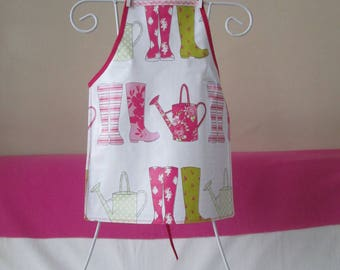 Child's oilcloth apron: 4/6 years