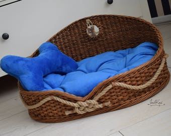 Personalized Pet bed Unique Dog basket custom gift Wicker dog bed with personalized bones and sea knot Pet house Pet furniture