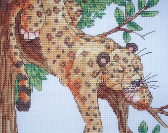 KL80 Leopard Counted Cross Stitch Kit