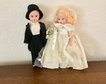 1950's Bride and Groom Dolls. Vintage Bride and Groom Dolls. Bride and Groom Cake Toppers Vintage. 1950's Cake Toppers Bride and Groom.