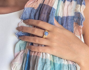 Opal Ring for Women, Gold Ring Gift for Her, October Birthstone Jewelry,  Mother's Day Birthday Gift, Blue Opal Gemstone, Women Flower Ring