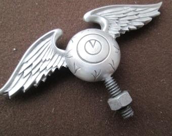 von dutch flying eyeball, hotrod, ratrod, car hood ornament