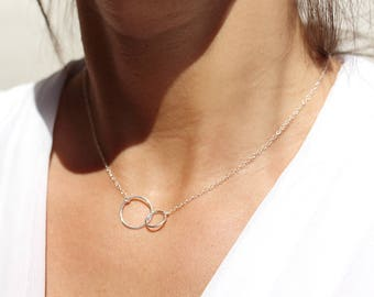 Sterling silver 2 circles necklace - intertwined circles - necklace two rounds - minimal necklace - eternity necklace -elegant necklace
