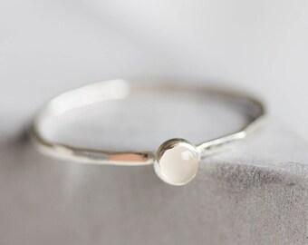 Weißer Topas - stapelbar Ring mit 3mm Edelstein, Sterling silber oder 9K gold