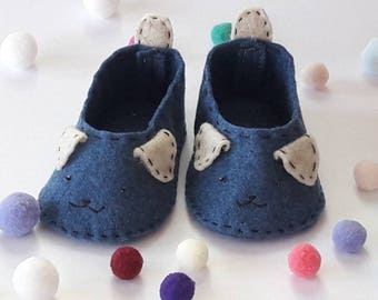 0-3 Months Dog Baby Shoes, Baby Boy Shoes, Baby Girl Shoes,  Baby Shower Gift, Felt Baby Shoes