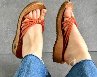 90's Orange Leather Platform Clog Sandal / Vintage Thong Sandal / Women's 8.5