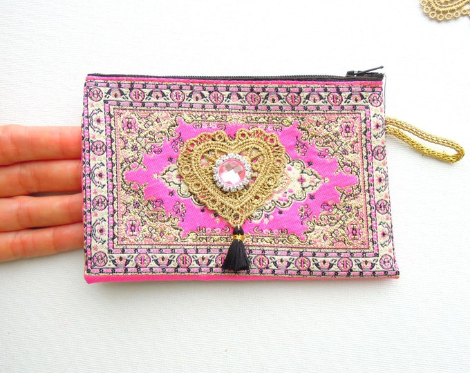 Pink kilim coin purse - Hot pink rug pouch with zip - Oyster card, bus pass pouch - Small boho purse - Kilim purse - Boho summer accessories