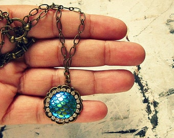 Mermaid Scale Jewelry, Mermaid Scale Necklace, Mermaid Scale Accessories, Mermaid Scale Gifts, Mermaid Necklace