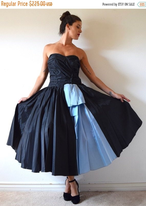 SALE SECTION / 50% off Vintage 50s Inky Black and Blue Taffeta Strapless New Look Circle Skirt Prom Dress (size xxs, xs)