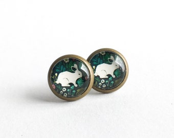 Petits clous d'oreilles bronze ave lapin, Boucles d'oreilles bohémienne, Clous d'oreilles bronze, Boucles d'oreilles à clous
