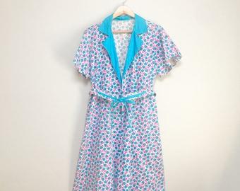 Vintage Doodle Bug Print House Dress // Wrap Dress Dress // Robe // Overcoat // Novelty Print  1960s
