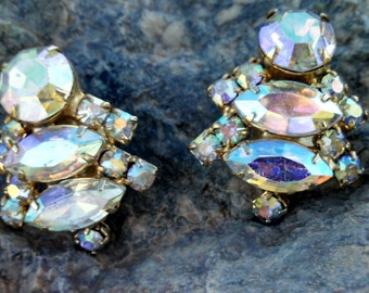 Vintage Juliana  made by DeLizza & Elster Large Aurora Borealis Crystal Teardrops Earrings, clip on Sparkly earrings