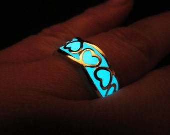 Hearts ring glow in the dark