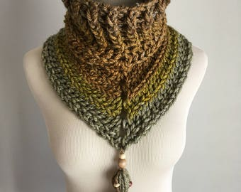 The Good Earth Cowl / Crochet Cowl with Tassel / Wool Blend