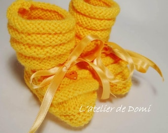 "Baby booties ""Vintage yellow orange"" handmade"