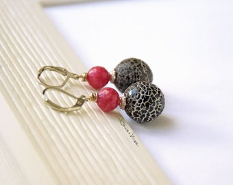 Black and Fuchsia short earrings