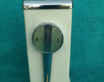 Vintage Ice-O-Mat 1940's 1950's MCM Ice Crusher Complete with Wall Mounting Pieces in White and Chrome