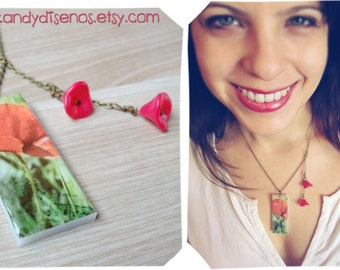 Poppy Flower necklace. Valentine Necklace. Botanical necklace. Vintage photography necklace. One of a kind. Valentine Gift. Romantic gift