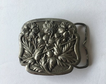 1970's Pewter Belt Buckle Wildflower Design Bergamot Brass Works Square Shaped Western Style Frame and Pin Bohemian Country Girl