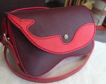 "Small bag ""KUJIRA"", red plum"